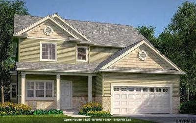 Saratoga Springs Single Family Home For Sale: 325 Pamela La