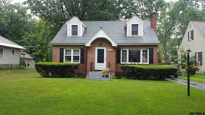 Niskayuna Single Family Home For Sale: 1460 Regent St