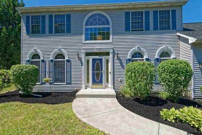 Guilderland Single Family Home For Sale: 122 Kennewyck Cir