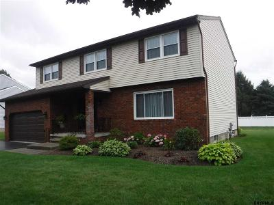 Colonie Single Family Home For Sale: 15 Windsor Dr