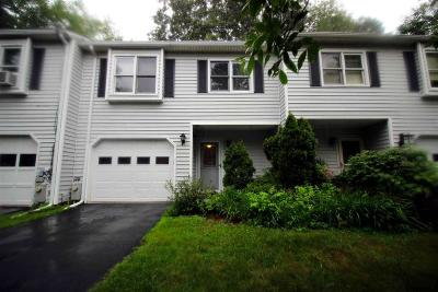 Saratoga Springs Single Family Home For Sale: 3 Clubhouse Dr