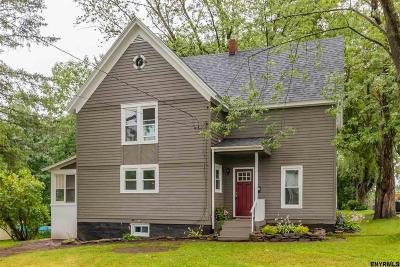 Johnstown Single Family Home For Sale: 146 Pleasant Av