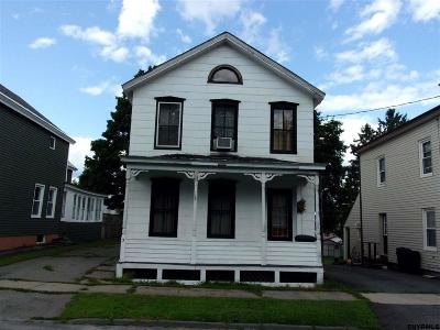 Single Family Home Pend (Under Cntr): 3 Cady St
