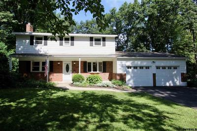 Clifton Park Single Family Home For Sale: 14 Meadow Valley Dr