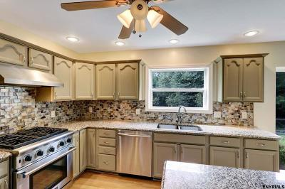 Greenfield, Corinth, Corinth Tov Single Family Home For Sale: 29 Locust Ridge Dr