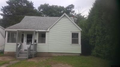 Amsterdam Single Family Home For Sale: 29 Sloane Av
