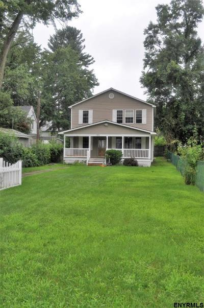 Schenectady Single Family Home For Sale: 151 Clayton Rd