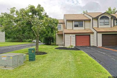 Single Family Home For Sale: 5 Surrey Hill Dr