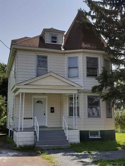 Schenectady Single Family Home For Sale: 2422 Van Vranken Av