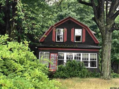 Single Family Home For Sale: 71 Old Loudon Rd