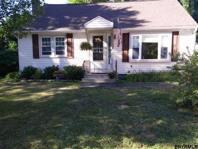 Single Family Home For Sale: 33 East Dillenbeck Dr
