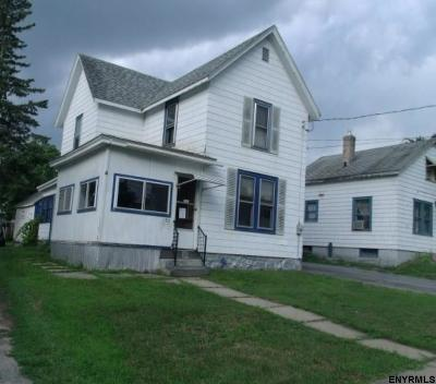 Johnstown Single Family Home For Sale: 120 Burton St