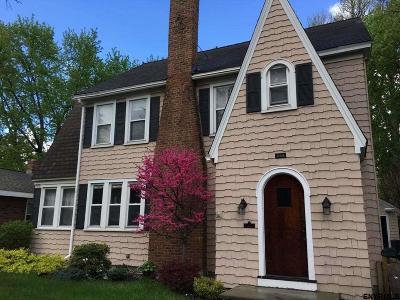 Albany Single Family Home For Sale: 699 New Scotland Av