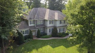 Saratoga County Single Family Home For Sale: 95 Fieldstone Dr