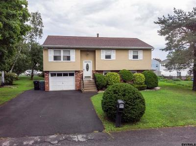 Colonie Single Family Home For Sale: 6 Pershing Dr