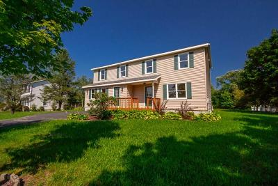 Mechanicville, Stillwater Single Family Home For Sale: 60 Colonial Rd