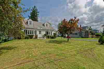 East Greenbush Single Family Home For Sale: 2 Woodlawn Av