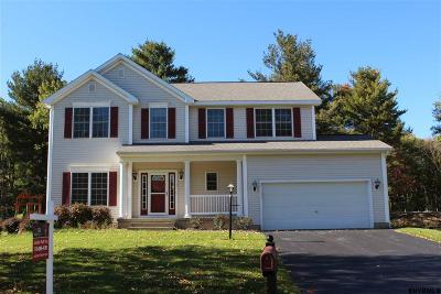 Niskayuna Single Family Home For Sale: 35 Schwaber Dr