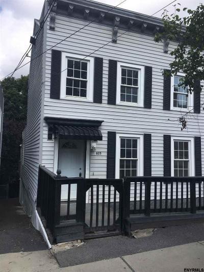 Rensselaer Single Family Home For Sale: 825 1st St