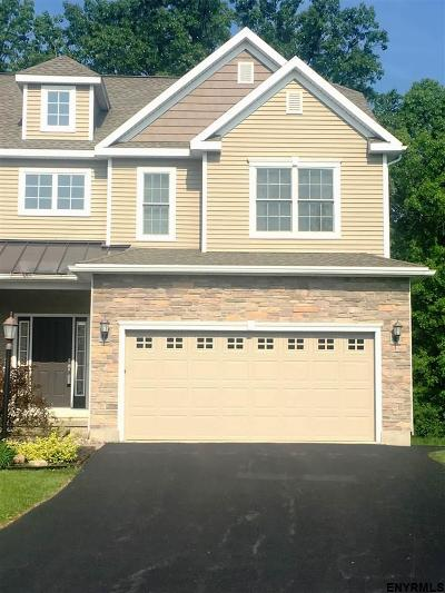 Niskayuna Single Family Home For Sale: 157 Fieldstone Dr