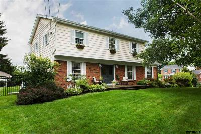 Schenectady County Single Family Home For Sale: 1002 Arapaho Path