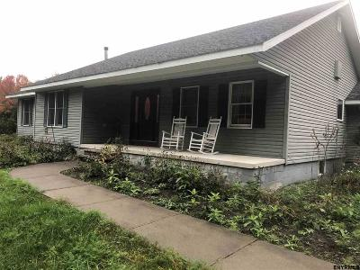 Benson, Broadalbin, Day, Edinburg, Hadley, Hope, Mayfield, Mayfield Tov, Northampton Tov, Northville, Providence Single Family Home For Sale: 615 County Highway 152