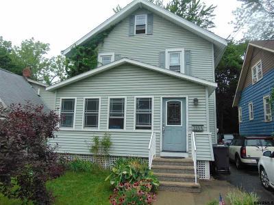 Niskayuna Single Family Home For Sale: 2333 Story Av