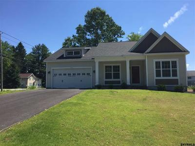Wilton Single Family Home For Sale: 366 Ruggles Rd