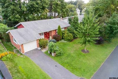 Albany County Single Family Home For Sale: 55 Hawthorne Av