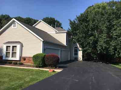 Niskayuna Single Family Home For Sale: 93 Killarney Dr