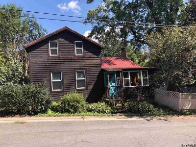 Columbia County Single Family Home For Sale: 3106 Lake St