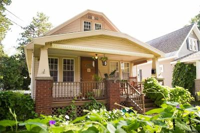 Scotia Single Family Home For Sale: 214 Wren St