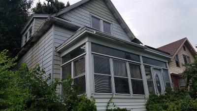 Albany Single Family Home For Sale: 32 Hoffman Av