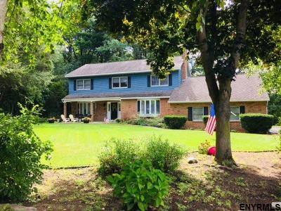 Clifton Park Single Family Home For Sale: 9 Bent Pine Hollow