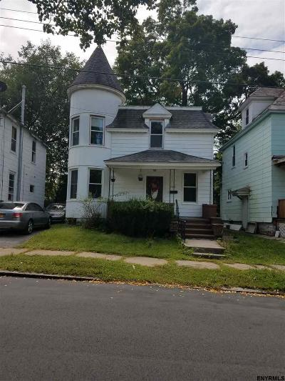 Schenectady Single Family Home For Sale: 722 Mason St