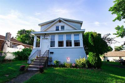 Colonie Single Family Home For Sale: 5 Raymond St
