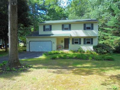 Wilton Single Family Home For Sale: 63 Brackett La