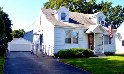 Albany Single Family Home For Sale: 62 Maplewood Av