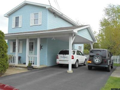 Colonie Single Family Home For Sale: 14 Arrow St