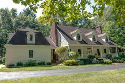 Saratoga Springs Single Family Home For Sale: 2 Rolling Brook Dr