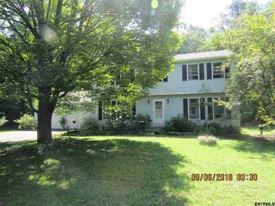 Wilton Single Family Home For Sale: 8 Amy La