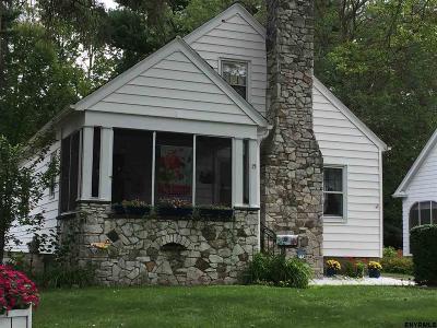 Bethlehem Single Family Home For Sale: 15 Alden Ct