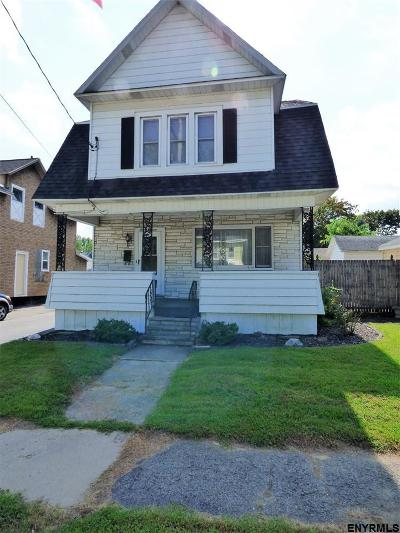Single Family Home For Sale: 113 Fifth St