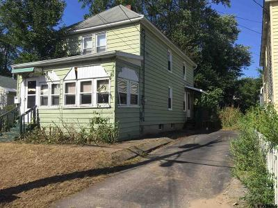Schenectady Single Family Home For Sale: 127 Clayton Rd