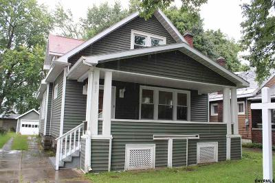 Schenectady Single Family Home For Sale: 815 Plymouth Av