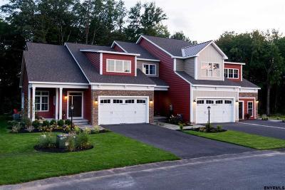 Saratoga County, Warren County Single Family Home For Sale: 2440 Macoun Dr