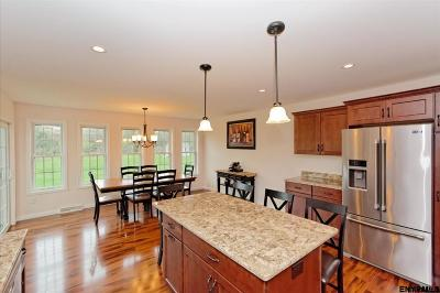 Kinderhook Tov NY Single Family Home For Sale: $359,900