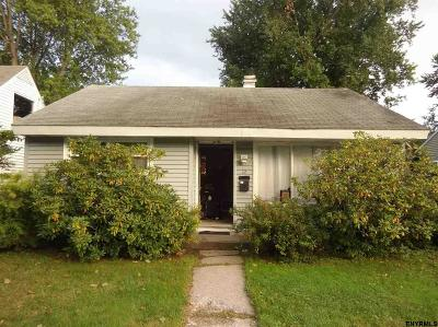 Albany Single Family Home For Sale: 12 Crestwood Ct