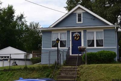 Watervliet Single Family Home For Sale: 303 6th Av