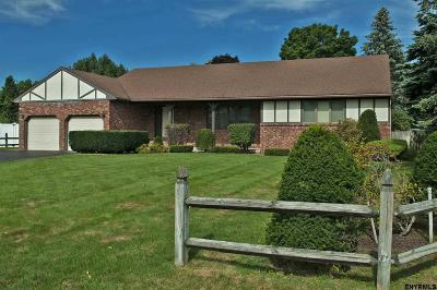 Colonie Single Family Home For Sale: 18 Winchester Pl